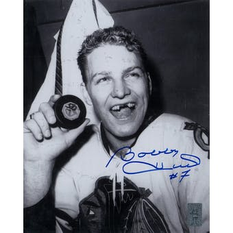 Bobby Hull Autographed Chicago Blackhawks 8x10 Photo (Bobby Hull COA)