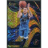 2018/19 Select #30 Luka Doncic Rookie Phenomenon Prizms Gold #06/10