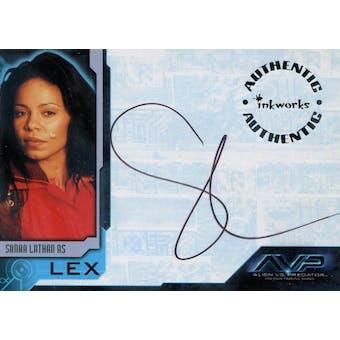 Alien vs. Predator Sanaa Lathan Autographed Card (2004 Inkworks) (Reed Buy)