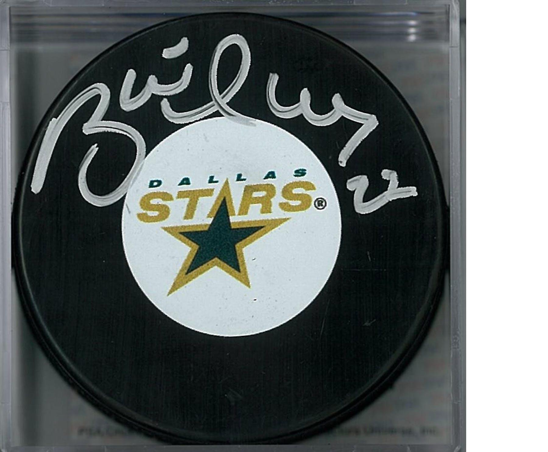 buy online af961 cc729 Brett Hull Autographed Dallas Stars Hockey Puck (PSA COA)