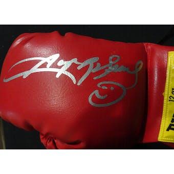 Sugar Ray Leonard Autographed Everlast Boxing Glove JSA KK52777 (Reed Buy)