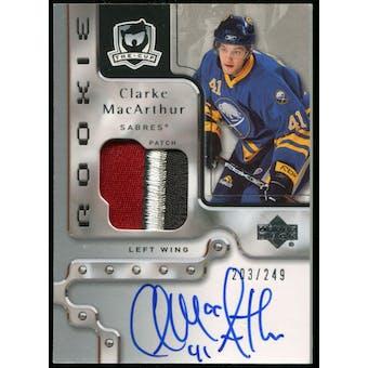 2006/07 The Cup #115 Clarke MacArthur Rookie Autograph Patch 203/249