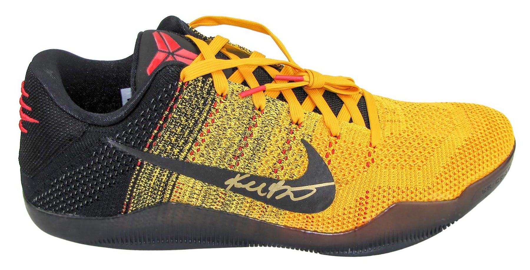 dcb5ae74b9f7 ... 2016 Panini National Super VIP Party Exclusive Kobe Bryant Autographed  Nike XI Elite Low Sneakers 3