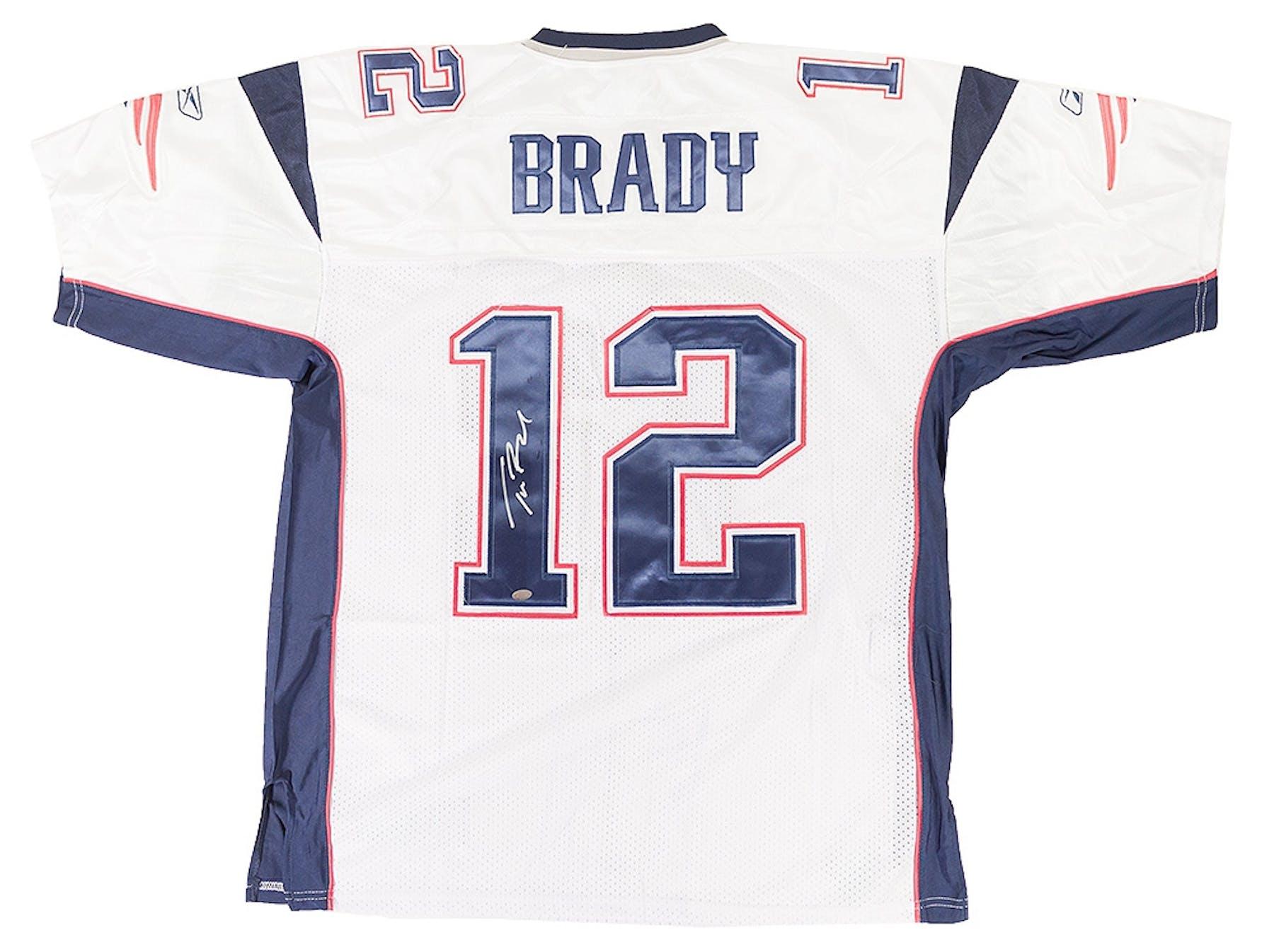 Tom Brady Autographed New England Patriots Reebok On Field Jersey cf2334593